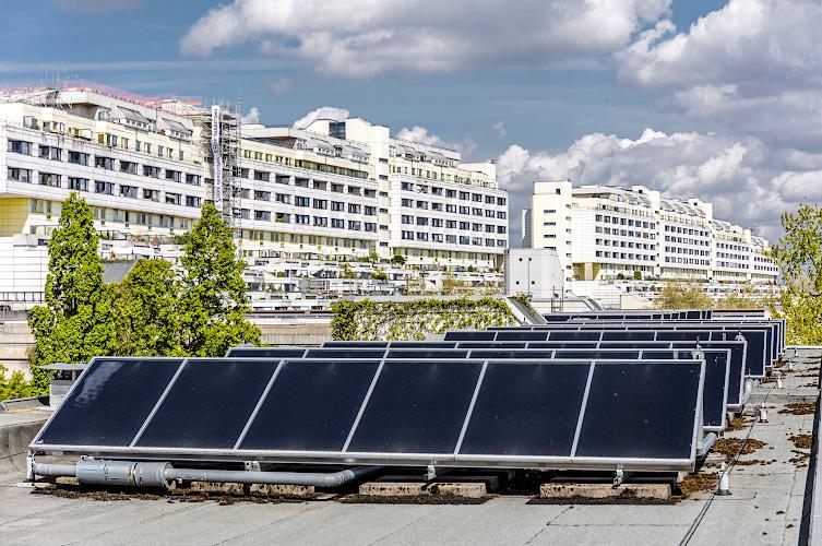 Solarthermische Dachanlage Wohnkomplex Schlangenbader Strasse, Berlin 2018
