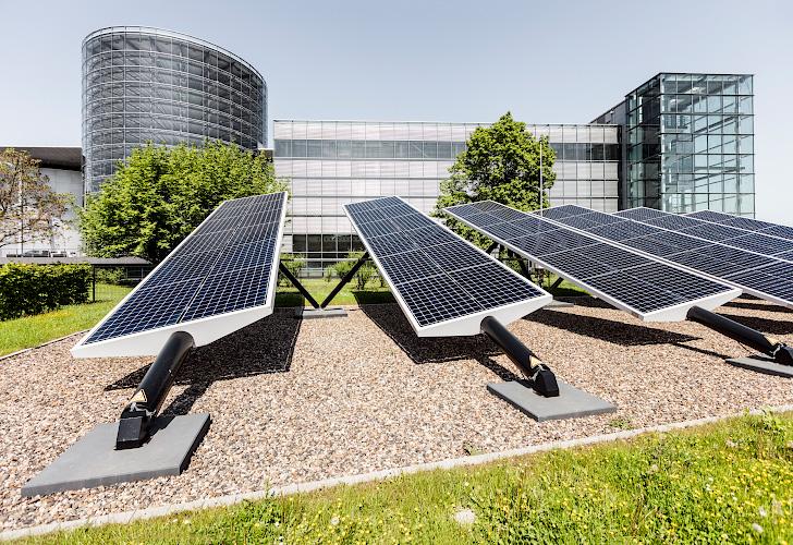 Photovoltaikfreiflaechenanlage, Volkswagen Manufaktur, Dresden 2018
