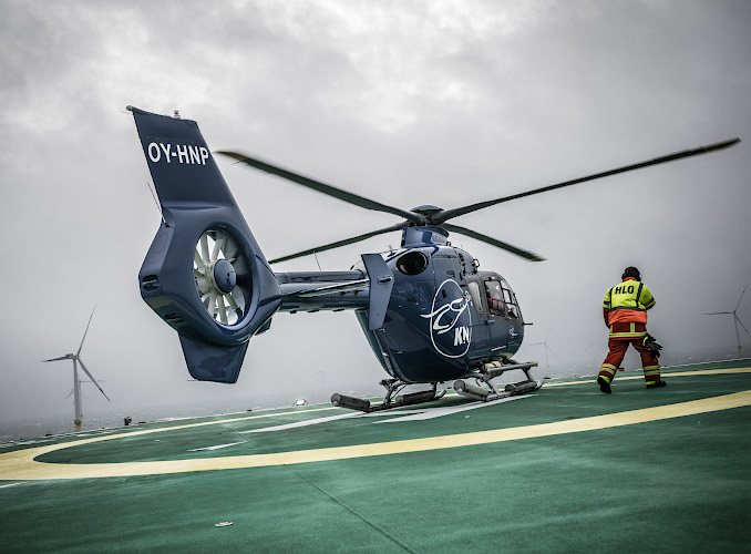 DanTysk Offshore Windfarm, Eurocopter auf Offshore Accomodation Platform. Deutsch-dänische Nordsee 2018