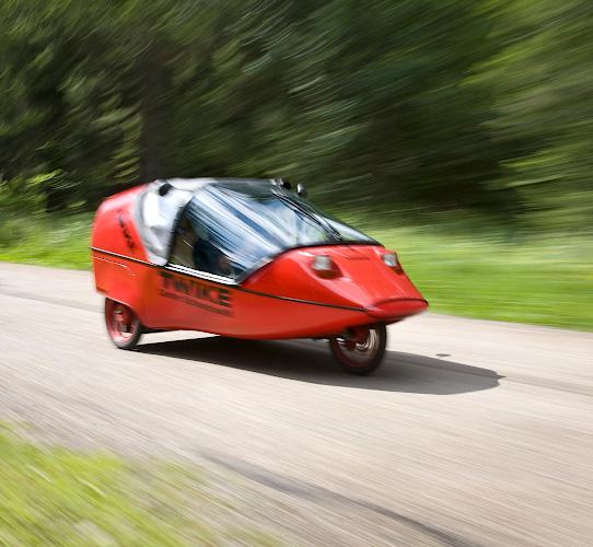 TWIKE Hybrid aus Elektromoboilitaet plus Muskelkraft. Furtwangen 2007