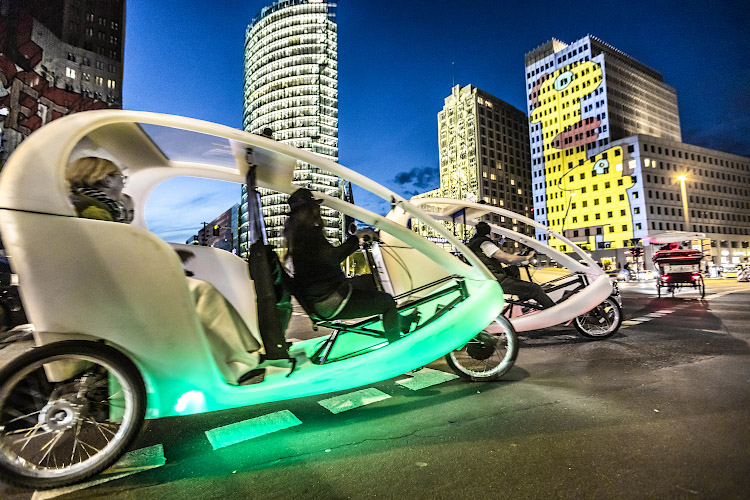 Elektrische Fahrradriksha erobern Potsdamer Platz Berlin 2019