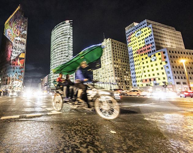 Elektrische Fahrradriksha erobert Potsdamer Platz Berlin 2019