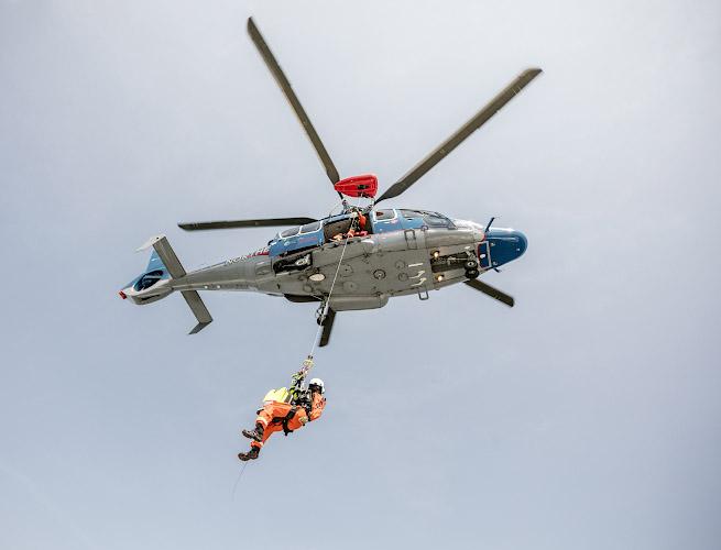Offshore Windpark Arkona. Rettungsübung mit Eurocopter EC 155. Ostsee, Baltisches Meer 2019