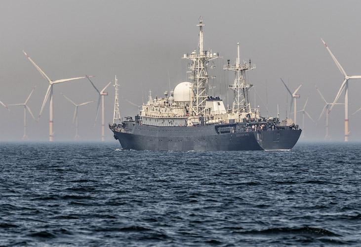 Offshore Windpark Wikinger, Aufklaerungsschiff Admiral Fedor Golovin kreuzt. Ostsee Baltisches Meer 2019