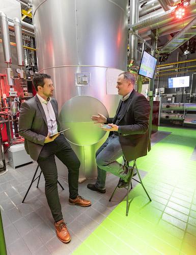 EUREF CAMPUS - Reallabor der Energiewende. Diskussionsrunde in Energiewerkstatt. Berlin 2019