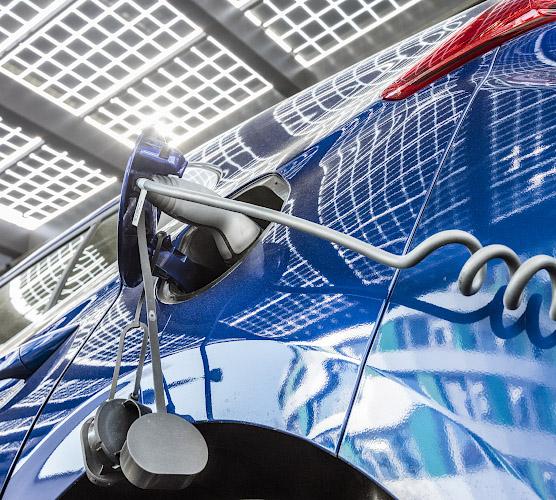 EUREF CAMPUS - Reallabor der Energiewende. Ladestation Elektrofahrzeuge. Berlin 2020